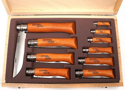 183102 - OPINEL Display Collecting wooden case of 10 carbon steel knives 3.5 to 12cm